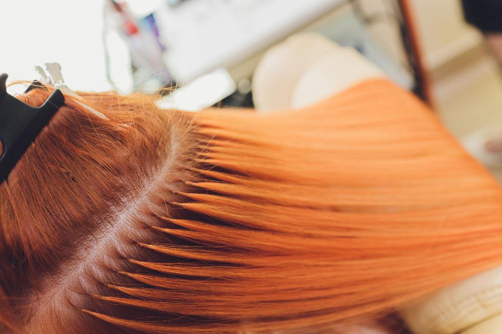 przedłużanie włosów metodą keratynową