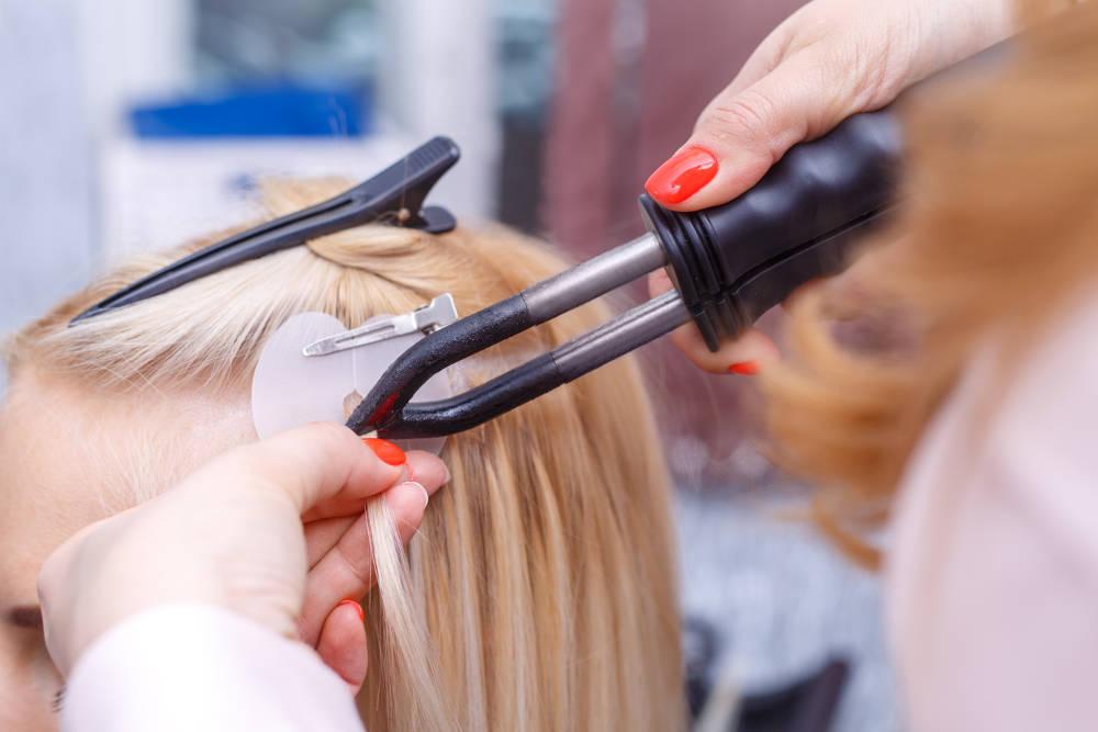 przedłużanie włosów na ringi